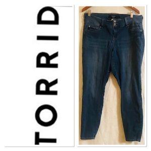 Torrid Blue Denim Skinny Jeans Sz 14